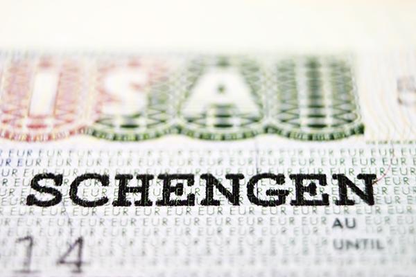 migranti, Grecia, Repubblica Ceca, Europol, passaporti falsi ...